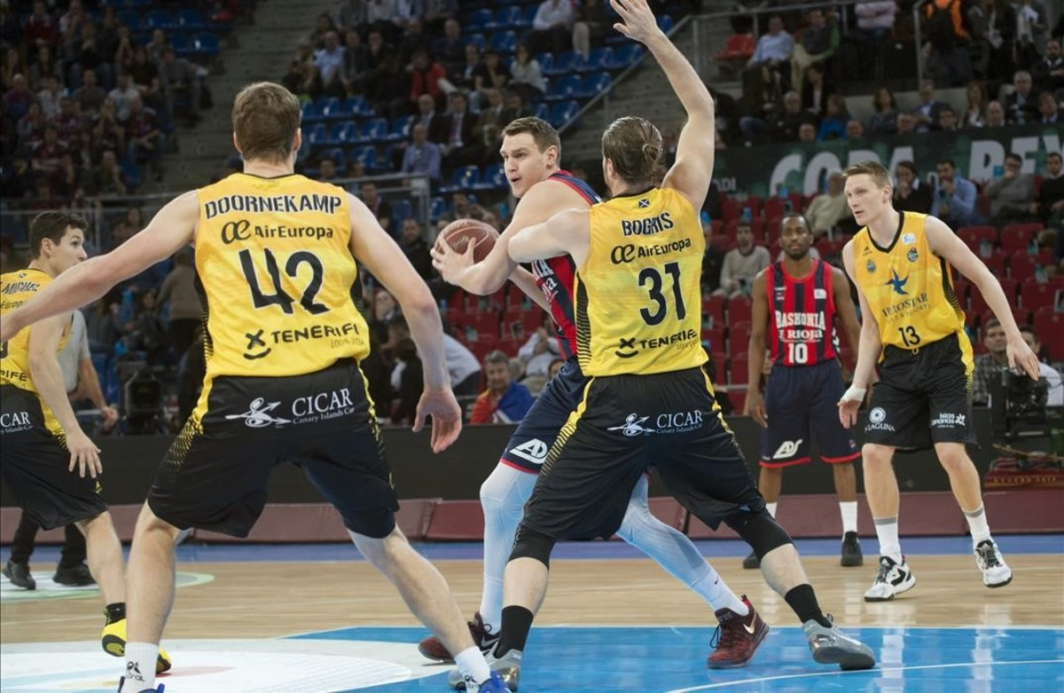 Larkin conduce al Baskonia a la semifinal