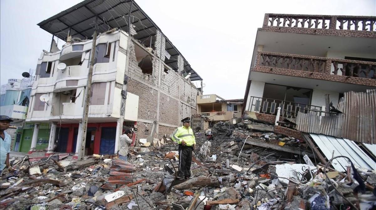 El terremoto de ecuador del 2016 en fotos for Busco hotel barato en barcelona