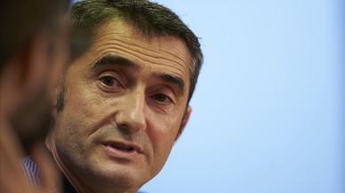 """Valverde: """"¿El césped? Nos adaptaremos al menú, a la vajilla, a todo..."""""""