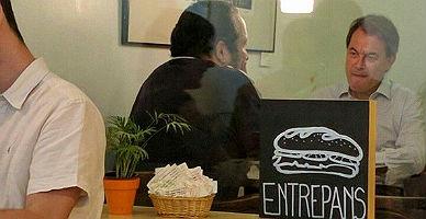 La extra�a foto del desayuno entre Artur Mas y David Fern�ndez