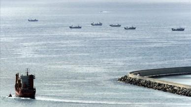 Día de duelo en el muelle de pescadores de Barcelona