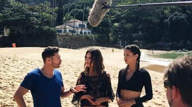 Adriana Lima i Alessandra Ambrosio exerceixen de reporteres a Rio