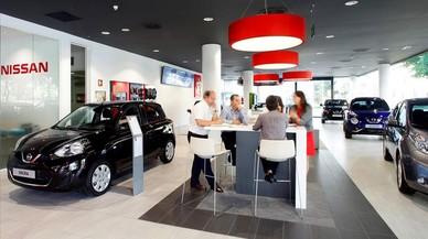 Interior de un concesionario Nissan.