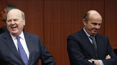 El ministro de Econom�a de Irlanda, Michael Noonan, y Luis de Guindos, en enero del 2014.