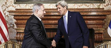 Netanyahu y John Kerry.