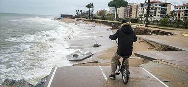 El peor temporal en más de una década deja un rastro de devastación en todo el litoral catalán