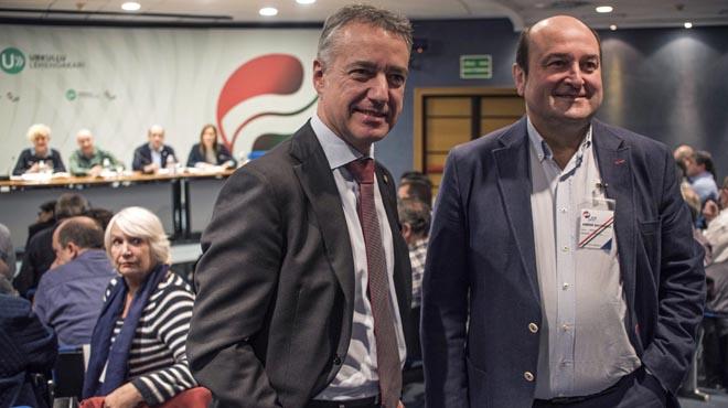 La alianza vasca desbroza la reforma de la Constitución
