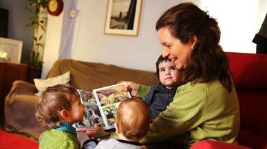 La Generalitat obliga a las 'madres de día' a tener un título en educación