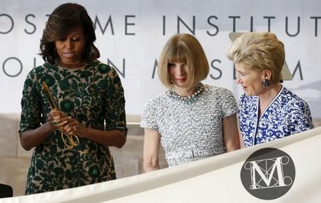 Michelle Obama junto a la editora jefe de 'Vogue USA', Anna Wintour en la ceremonia de inauguraci�n del Costume Institute, en el museo Metropolitan de Nueva York el pasado mes de mayo.