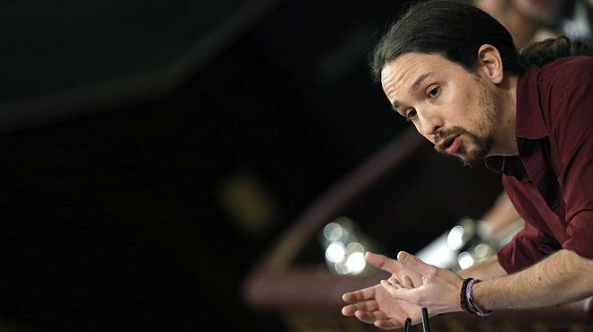 Iglesias reclama un govern a la valenciana. Lacord del petó.