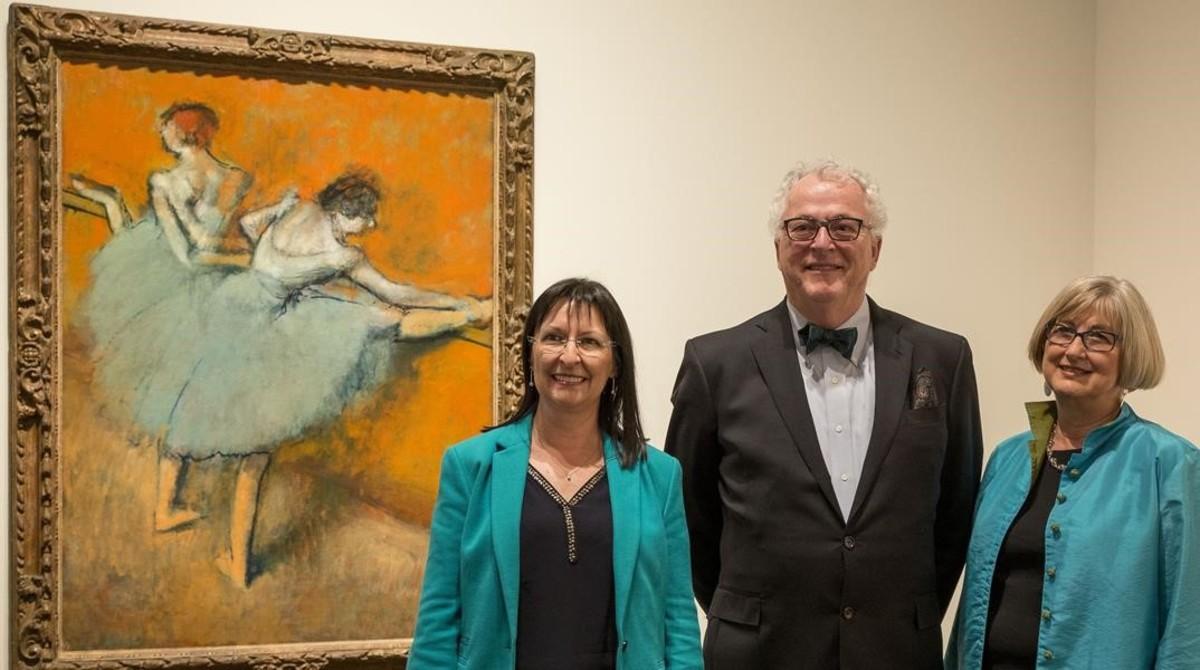 Presentación de la exposición Impresionistes i moderns Obres mestres de la Phillips Collection en Caixaforum. De izquierda a derecha, Elisa Durán, Joseph Hollbach y Susan Behrends Frank.