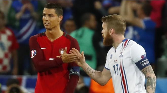 "Cristiano Ronaldo, al capità d'Islàndia: ""¿La meva samarreta? ¿Qui ets tu?"""