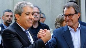 Francesc Homs y Artur Mas, ante las puertas del Tribunal Supremo, el pasado 19 de septiembre.