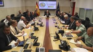 El ministro Zoido en la mesa de evaluación de la amenaza terrorista el pasado agosto.