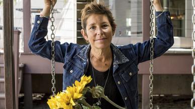 Mor l'escriptora malalta de càncer que va buscar dona per al seu marit al 'New York Times'