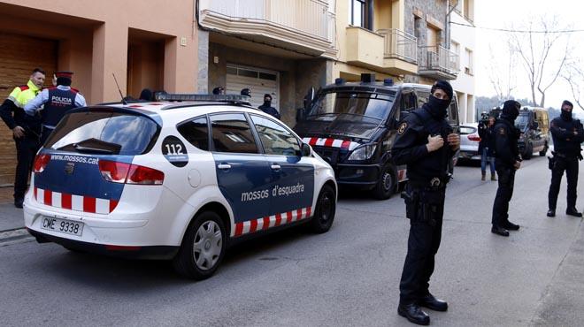 Actuación de los Mossos en el marco de una operación contra el yihadismo