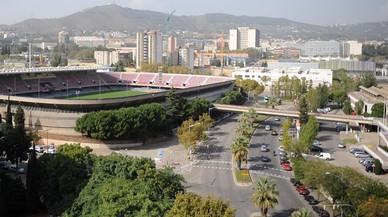 La calle Arístides Maillol, a su paso entre el Miniestadi y el Camp Nou.