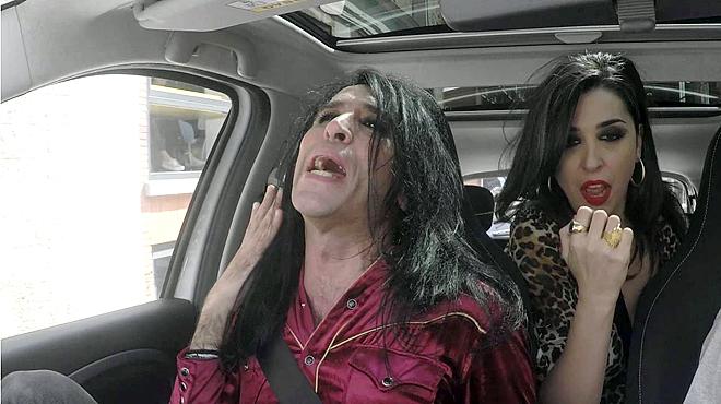 Mario Vaquerizo en el spot de smartlovers. El 'Carpool karaoke', el fen�meno de grabarse cantando en el coche, cede el paso a las autoentrevistas.
