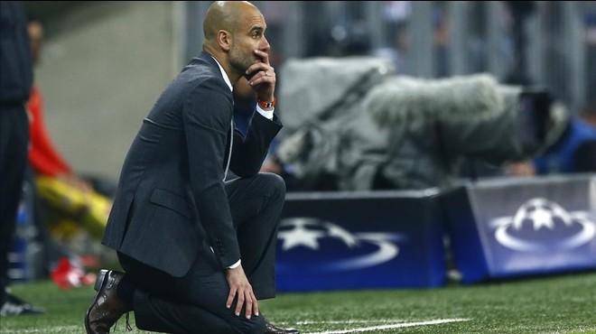 Guardiola hinca la rodilla en el Bayern-Atl�tico.