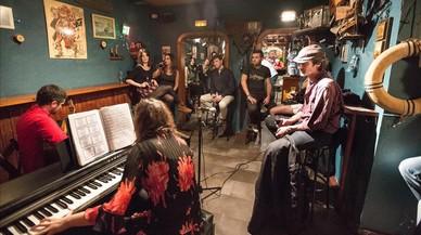 La pianista Ana Campanaro y el guitarrista Italo Segovia en el barL'Astrolabi el s�bado 22 de octubre.