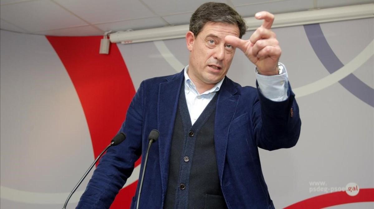 Besteiro dimite como líder de los socialistas gallegos por sus diez imputaciones