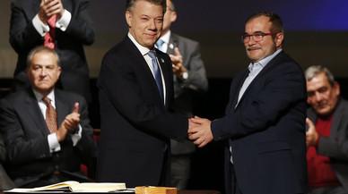 Santos i 'Timochenko' tornen a firmar la pau