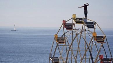 Cinc funambulistes de la famosa família Wallenda cauen al buit després de fer una piràmide humana