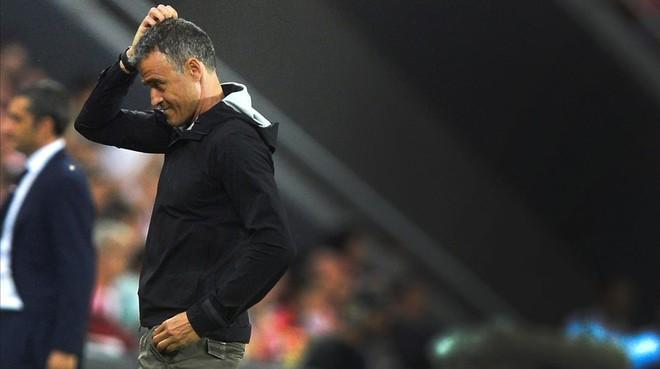 Luis Enrique durante el partido con el Athletic en San Mam�s.