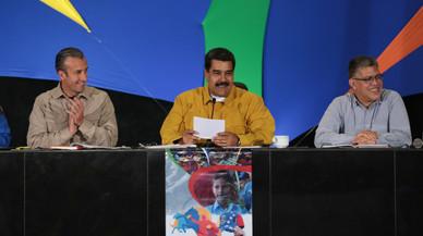 """Maduro a Rajoy: """"Se le reventarán los dientes si se mete con Venezuela"""""""