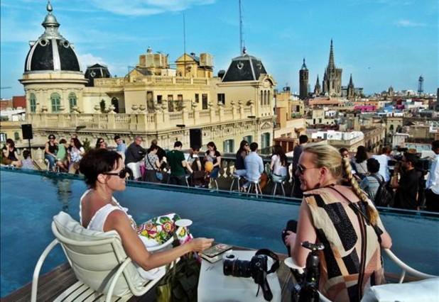 Personas en la semana de las terrazas de hoteles for Ohla hotel barcelona