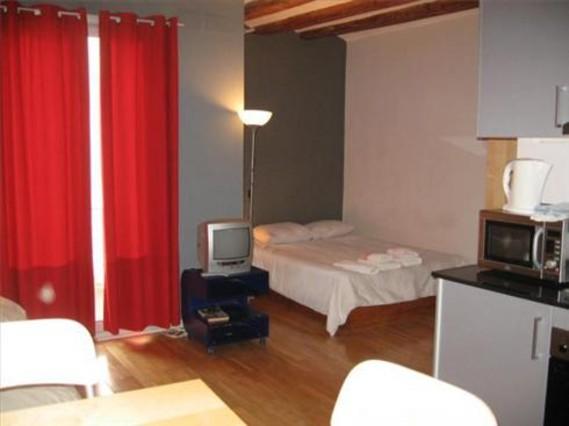 La vivienda en alquiler baja en barcelona un 3 1 en el 2011 - Idealista compartir piso barcelona ...