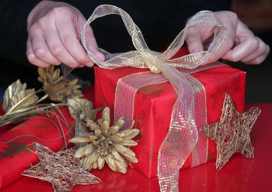 ya llega la navidad y sus regalos sin sentido
