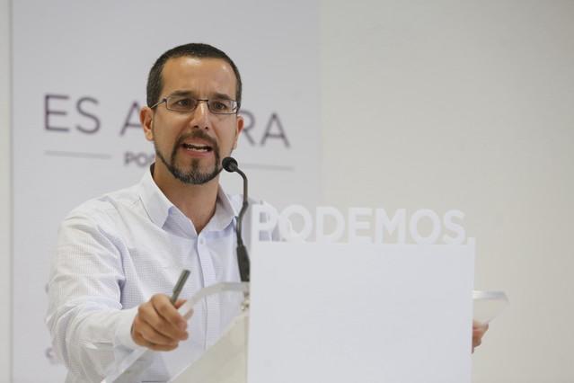 """Podemos llama a dialogar con el PSOE """"el sábado"""" pese a la """"crudeza"""" de Iglesias"""