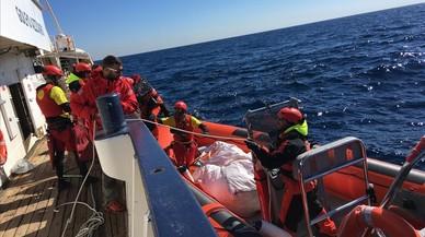 Italia busca que barcos de la UE sustituyan a los de las oenegés en el Mediterráneo central