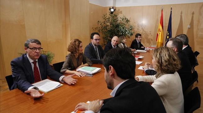 Los equipos negociadores del PSOE y Ciudadanos, el pasado miércoles en el Congreso.