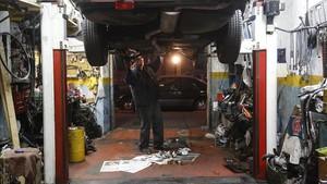 Mecánico en su taller