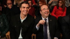 Pedro Sánchez junto a Miquel Iceta en el acto electoral del PSC en Girona.