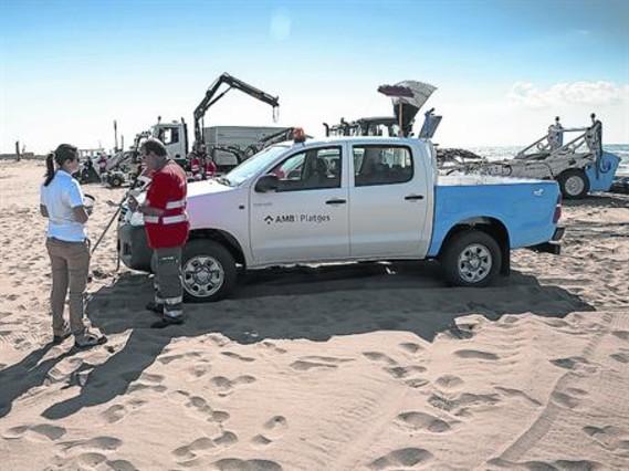 Una mejorada playa metropolitana acoger a 10 millones de for Limpieza de coches barcelona