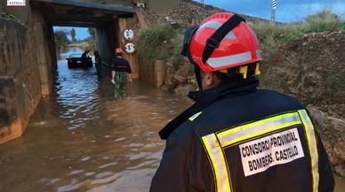 Persones atrapades als seus vehicles i tall de camins per les pluges a Castelló