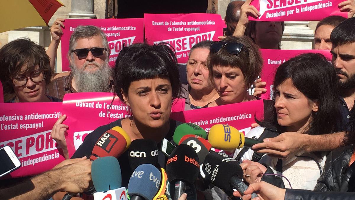 """La CUP: """"El alto voltaje de la represión se asemeja a un golpe de Estado"""""""