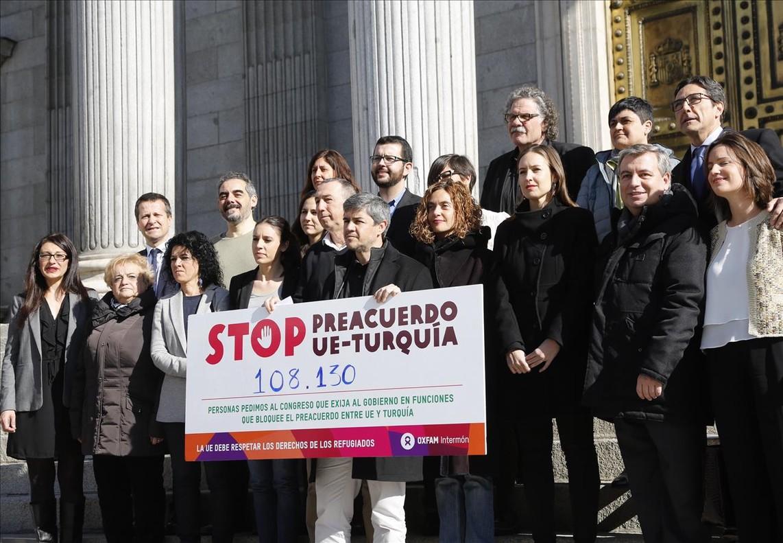 Acuerdo un�nime en el Congreso para fijar la posici�n de Espa�a ante la crisis de refugiados