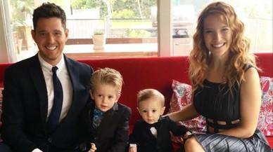 La esposa de Michael Bublé habla de la salud de su hijo Noah