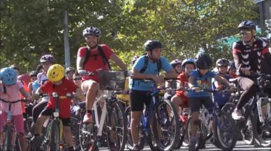 Viladecans reuneix més de 700 ciclistes en la 24ª 'Passejada en Bicicleta'