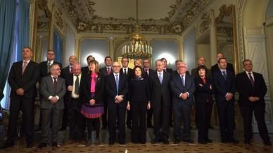 La vicepresidenta Soraya Sáenz de Santamaría preside la constitucion de la comisión de expertos para la reforma de la financiación autonómica.