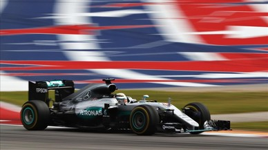 Lewis Hamilton conduce el Mercedes durante la carrera del GP de las Am�ricas, en Austin.