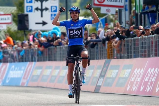 Mikel Landa entra vencedor en Piencavallo.