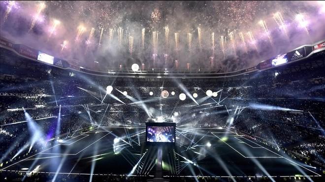 El montaje del Bernab�u para celebrar la und�cima Copa de Europa del Madrid.