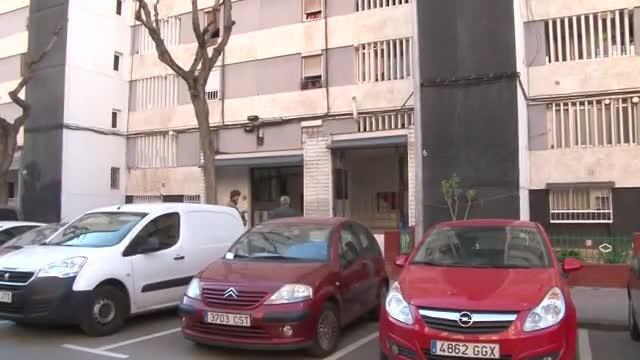 Muere un hombre de 46 años al saltar por la ventana mientras su piso ardía en L'Hospitalet