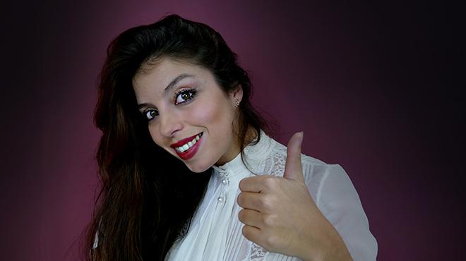 La cantante Sole� Morente interpreta 'Todav�a' en ac�stico.