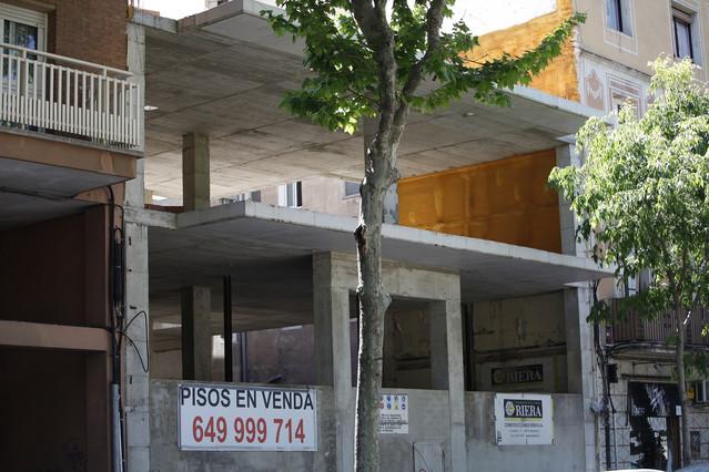 Uno de cada 5 pisos usados en bcn menos de euros for Pisos baratos en ciudad real